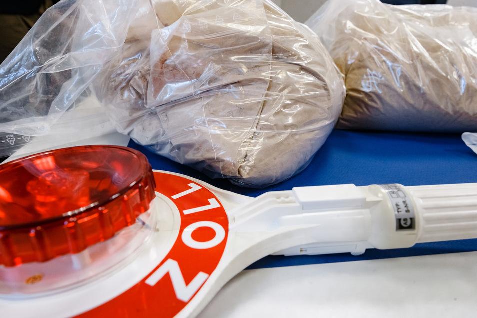 Zollfahnder haben  670 Kilogramm Heroin gefunden.