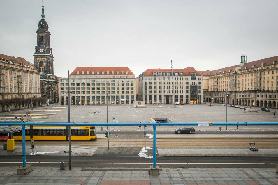 Seit langem ist bekannt, dass Dresdens Altmarkt saniert werden muss.