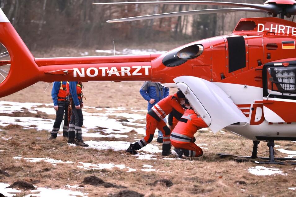 Der Rettungshubschrauber brachte die Verletzte in die Uniklinik.