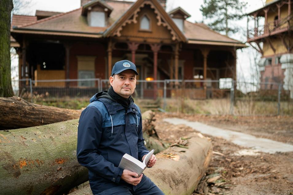 Kristian Szücs hat einen Roman geschrieben, der in den 1990ern in Görlitz spielt. Darin erwacht auch das Weinberghaus wieder zum Leben.