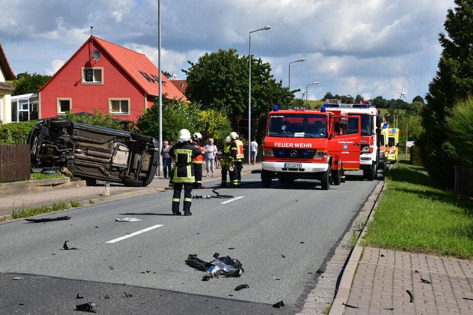 Bei dem schweren Verkehrsunfall in Ostritz wurden vier Personen verletzt.
