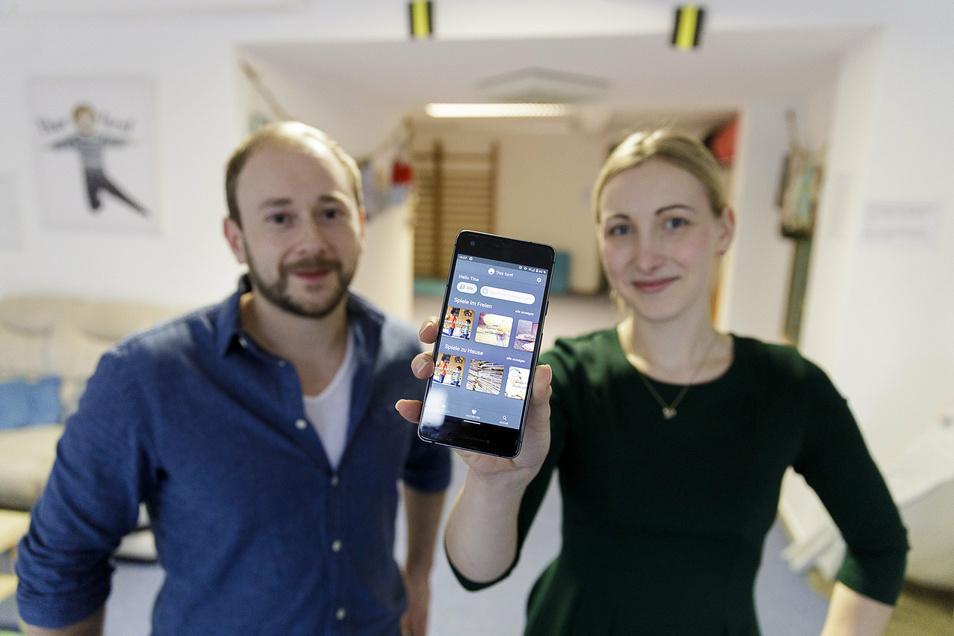 """Tina Grüner und Jens Heider haben die App """"Theo turnt"""" zum gleichnamigen Kindersportstudio entwickelt."""