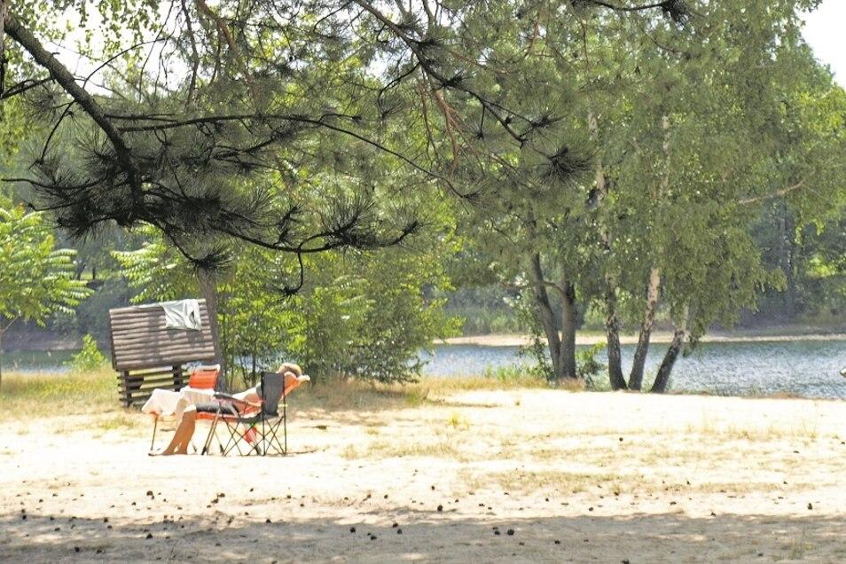 Badesee Kromlau mit Campingplatz: Öffnungszeit: täglich 9-21 Uhr. Gastronomie: Getränke und Eis Eintritt: 1,50 Euro (1 Euro Kinder) Parken: gegen Gebühr (Parkplatz)