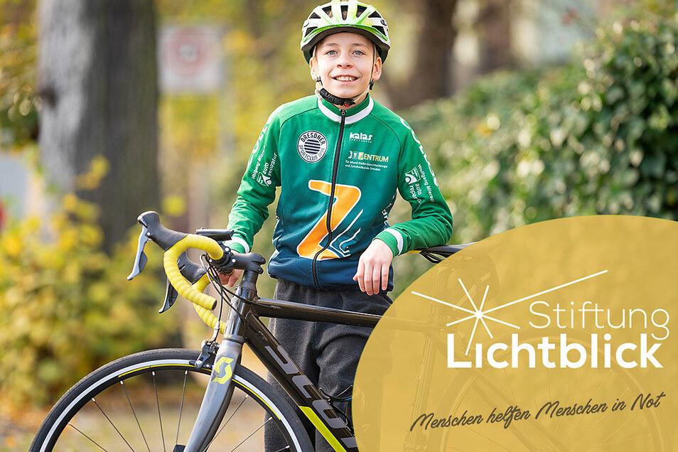 Der zwölfjährige Justin, der in einer vollstationären Wohnform mit drei anderen Kindern wohnt, ist leidenschaftlicher Radfahrer. Die Stiftung Lichtblick unterstützte den Kauf eines eigenen Rennrades.