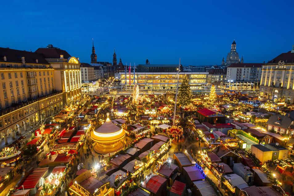 Blick auf den Dresdner Striezelmarkt