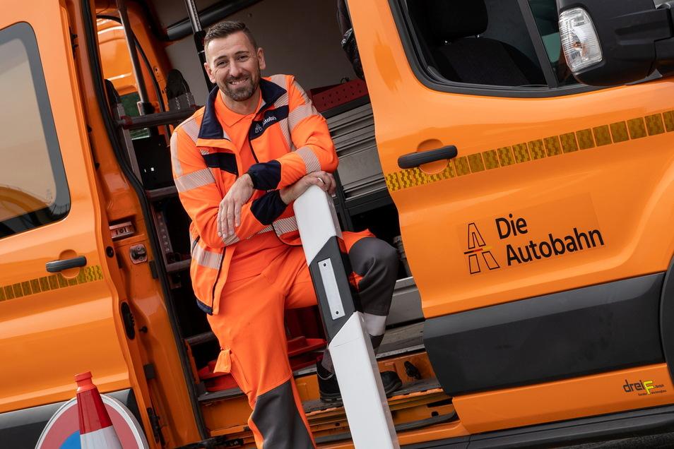Hüter der Rollbahn: Oliver Hayde ist Streckenwart bei der Autobahnmeisterei Nickern. Täglich patrouilliert er zwischen Nossen und dem Erzgebirgskamm, um Schäden aller Art aufzuspüren.