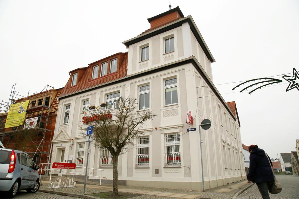 Die Sparkasse am Rothenburger Markt bleibt die nächsten sechs Wochen geschlossen. In dieser Zeit wird die Filiale modernisiert.