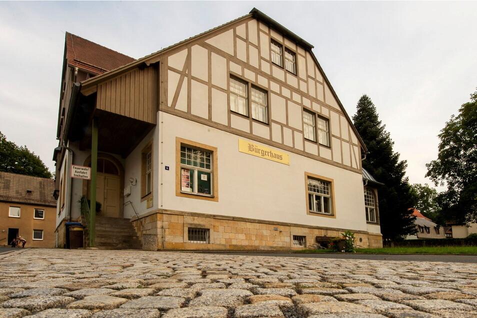 Das Bürgerhaus Gottleuba ist eigentlich Sitzungsort des Stadtrates, seit Corona wird jedoch in der Kulturhalle Oelsen getagt.
