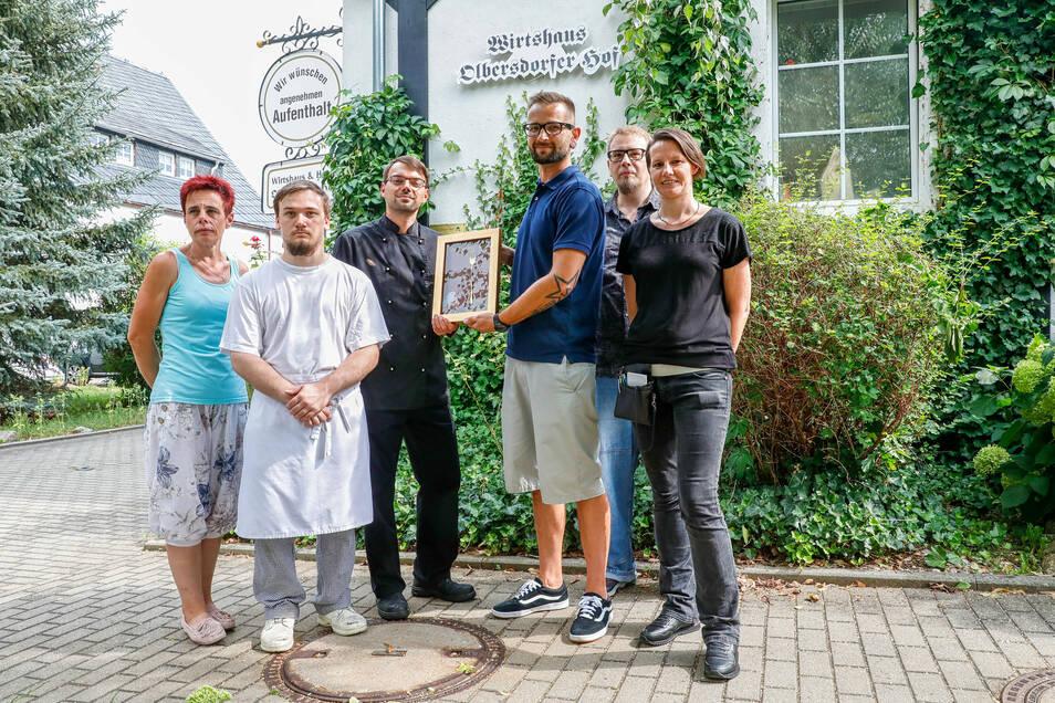"""Wurden ebenfalls mit der """"Goldenen Gabel"""" ausgezeichnet: Betriebsleiter Peter Schöning und sein Team vom Hotelrestaurant """"Olbersdorfer Hof""""."""