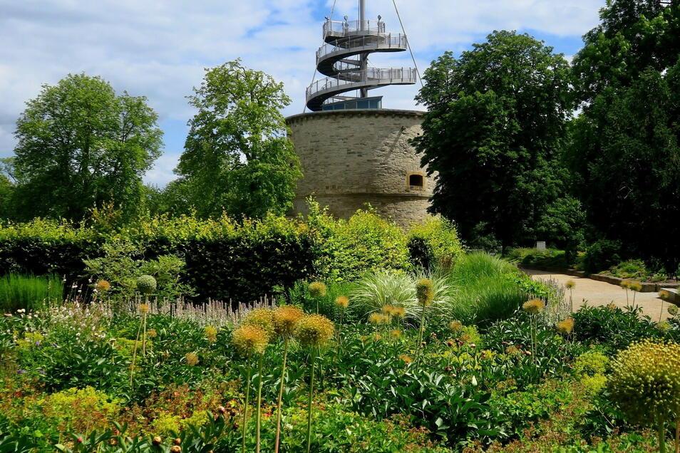 Einen ersten Überblick auf das Erfurter Garten- und Ausstellungs-Gelände (ega) erhalten BUGA-Besucher auf diesem Aussichtsturm.
