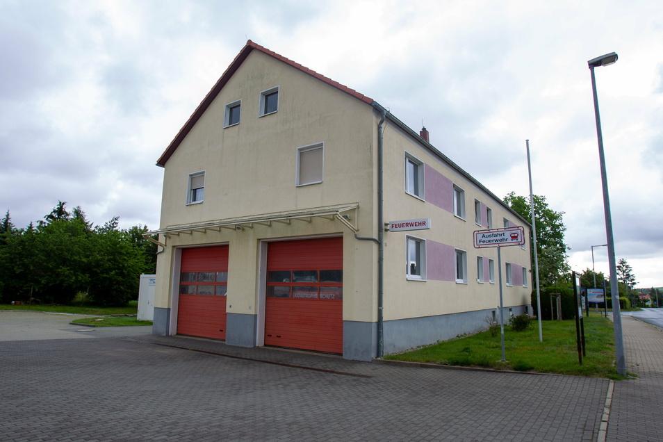 In Bannewitz haben die Gemeinderäte wegen Corona einen schriftlichen Beschluss gefasst. Damit kann nun am Feuerwehrgerätehaus weitergebaut werden.