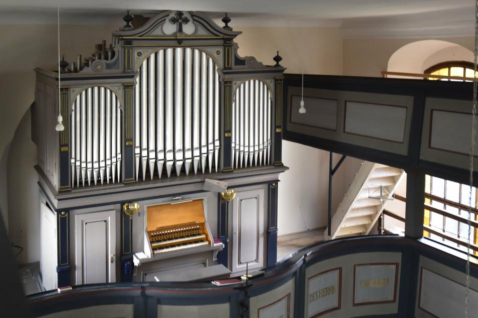 Mehr als 120 Jahre alt ist die Orgel in der Grünberger Kirche. Sie wurde von den Brüdern Jehmlich errichtet. Inzwischen sind dem Instrument nur noch Töne zu entlocken, wenn Temperatur und Luftfeuchtigkeit stimmen.