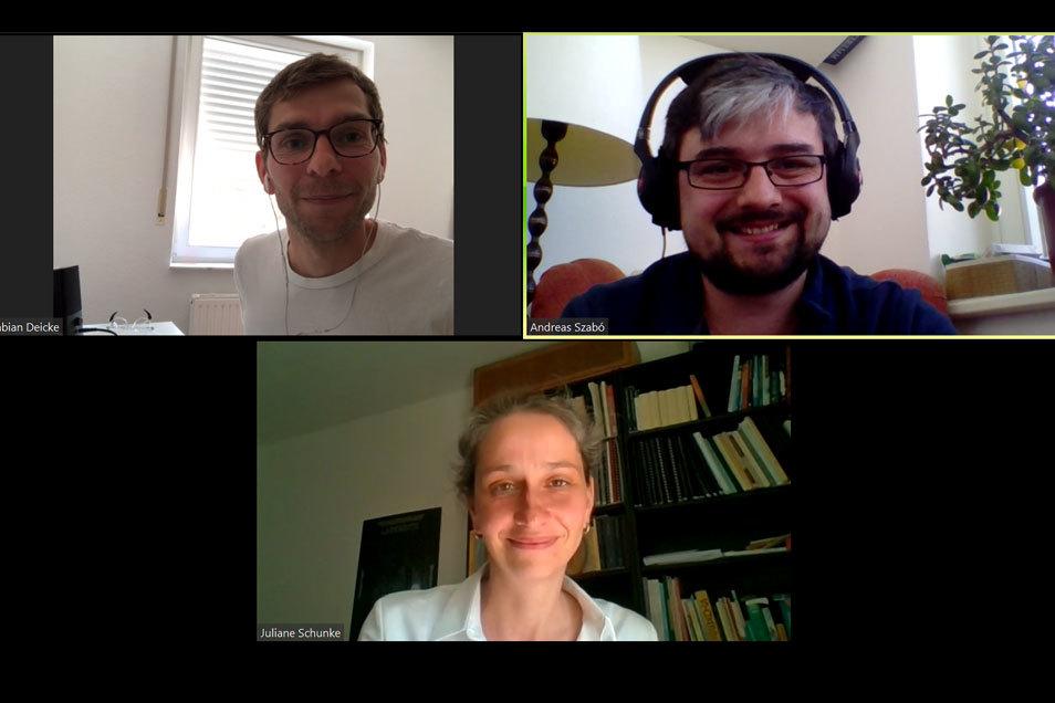 Fabian Deicke (links oben) und Andreas Szabo (rechts oben) sprechen mit Juliane Schunke von der Semperoper.