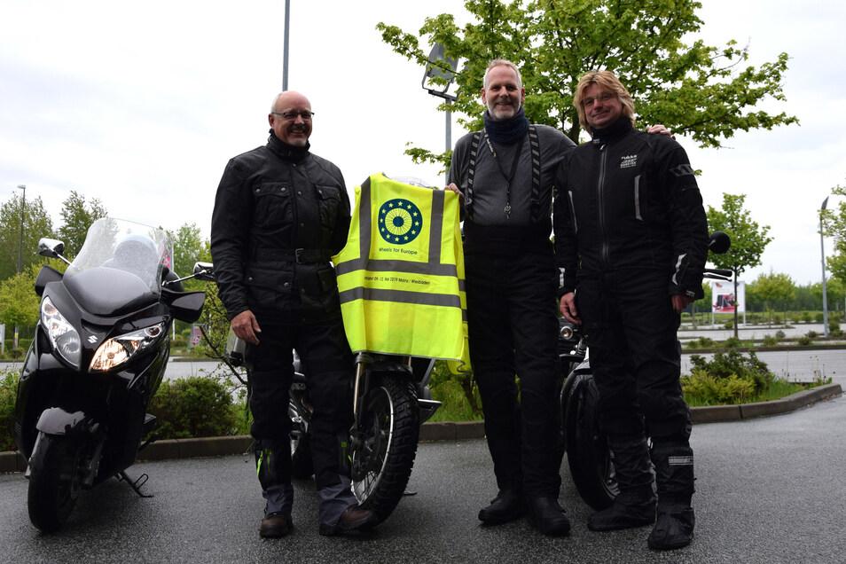 Torsten Tschage, Andreas Schaaf und Steffen Teschner (v.l.n.r.) stellen die Motorradabordnung der Stadt Görlitz.