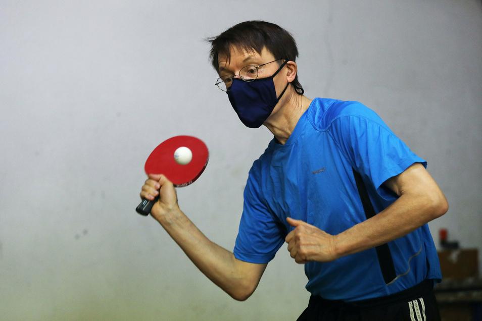 Karl Lauterbach spielt gern Tischtennis - am liebsten gegen einen prominenten Gegner.