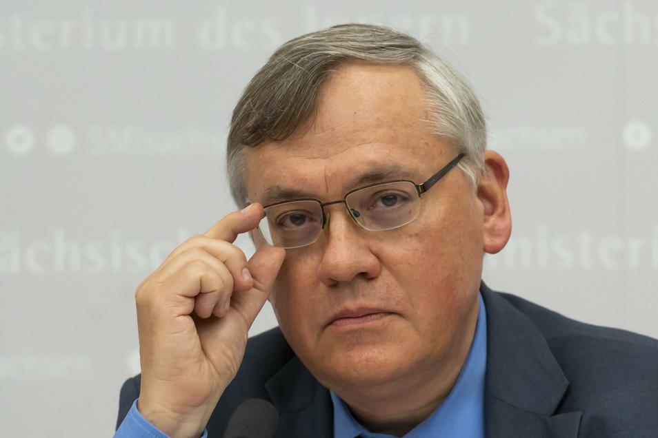 Die unterschiedlichen Rechtsauffassungen vom gegenwärtigen Verfassungsschutzchef Dirk-Martin Christian (l.) und seinem Vorgänger Gordian Meyer-Plath führten 2020 zur Datenlöschaffäre.
