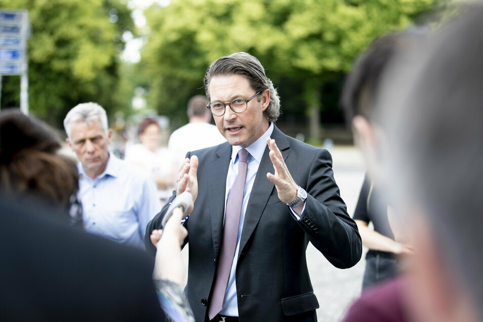 Der Bundesrat hat schärfere Bußgelder für Raser beschlossen. Verkehrsminister Scheuer will diese nun mit Hilfe der Länder kippen.