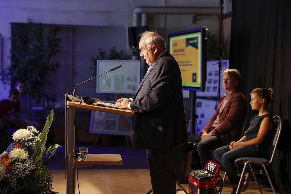 Löbaus Oberbürgermeister Dietmar Buchholz verrät in der Nudelfabrik, was mit ihr geplant ist.