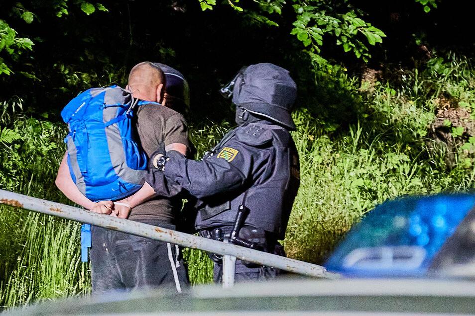 """Festnahme in Pfaffendorf nach rechtsextremen Ausschreitungen am Himmelfahrtstag. """"Nicht ins mediale Bashing einstimmen."""""""
