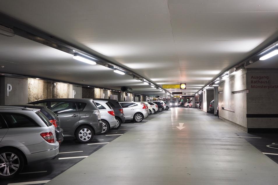 Ein Mann hat Anfang Februar sein Auto in einem Osnabrücker Parkhaus abgestellt und es seitdem nicht mehr wiedergefunden.