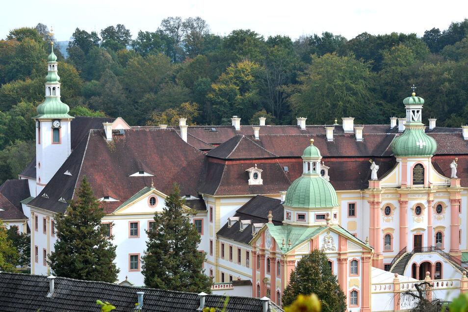 Berufspendler aus Tschechien und Polen können auch in historischen Gemäuern übernachten. Dieses Angebot macht das Kloster St. Marienthal den betroffenen Mitarbeiter aus dem Ausland.