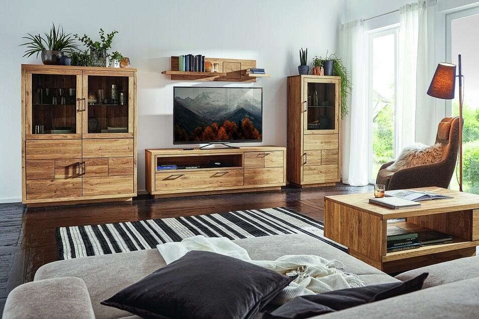 """Einzelne Elemente sind flexibler als massige Wohnwände und können auch im Raum mal """"umziehen""""."""