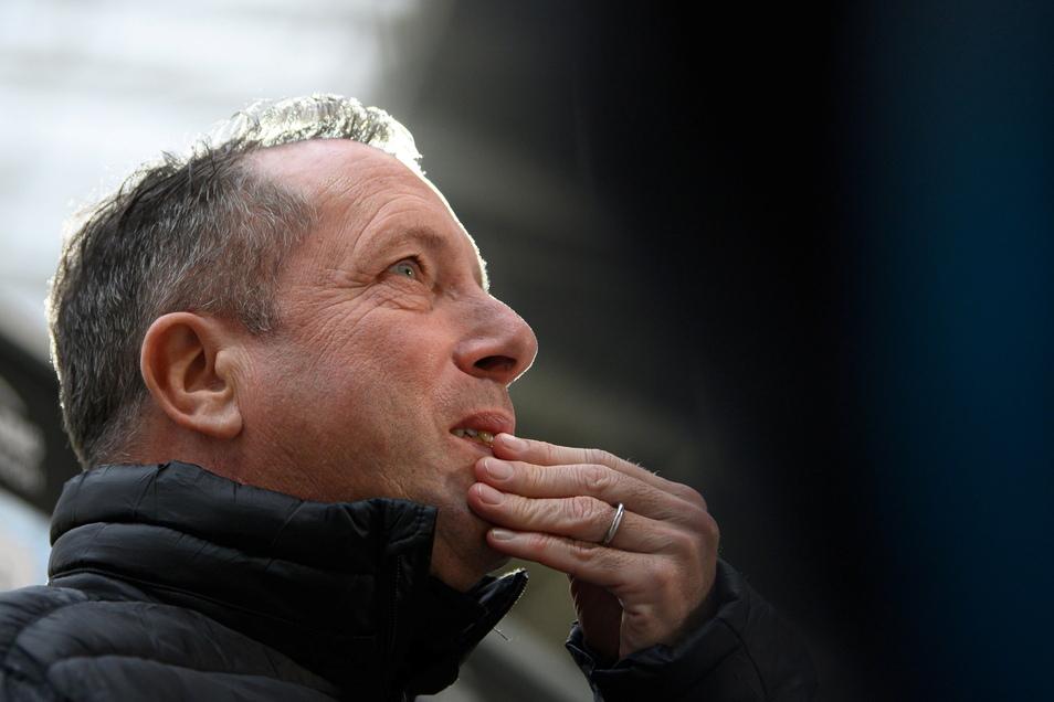 Markus Kauczinski grübelt noch, wen er gegen Hansa Rostock am Ostersonntag in die Startelf stellt.
