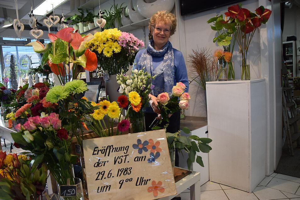 Ihr ganzes Berufsleben lang ist Ingeborg Bock schon als Floristin tätig. Dieses Interesse hat sie an auch an ihre Enkelin weitergegeben.