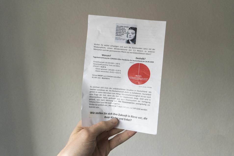 """Mit diesem Flugblatt war zur Teilnahme an den montäglichen """"Spaziergang"""" aufgerufen worden. Ein zentrales Element des Handzettels ist ein angebliches Zitat der der von den Nationalsozialisten getöteten Widerstandskämpferin Sophie Scholl. Die Worte stammen"""