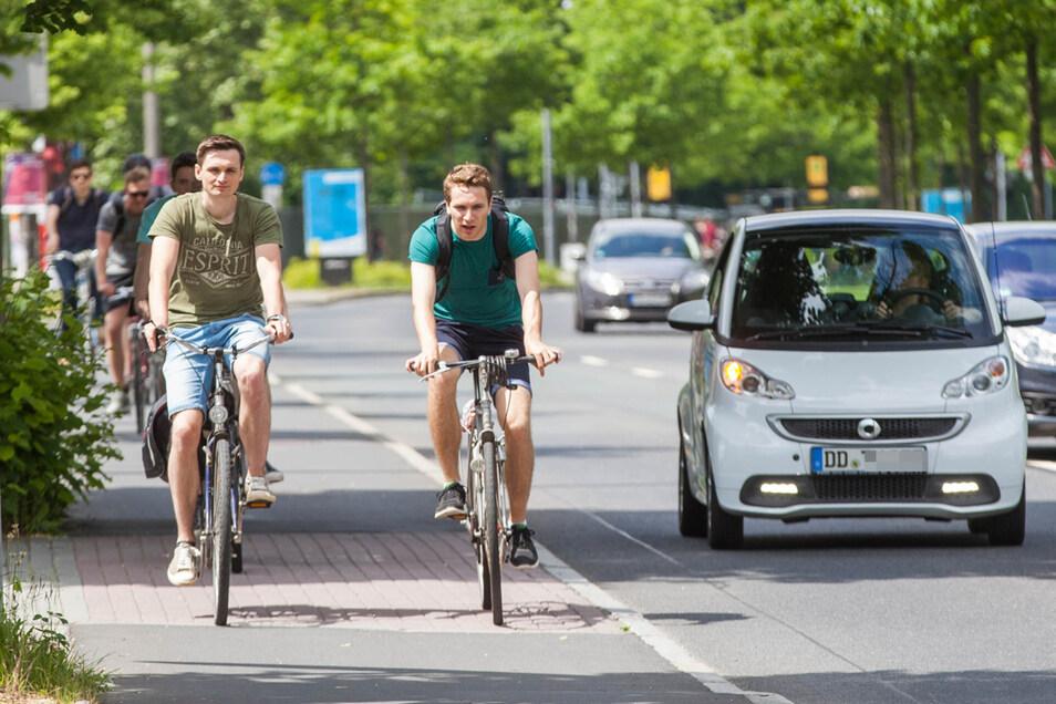 Immerhin, in ruhigen Zeiten wie den Semesterferien reicht der Platz für Radfahrer am Zelleschen Weg.