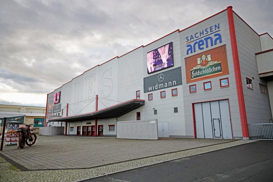 Die Sachsenarena in Riesa steht sonst für große Unterhaltungsevents. Nun wird sie zeitweise Gesundheitszentrum.