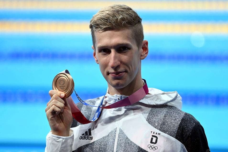 """Je länger der Wettkampf vorüber war, umso glücklicher war Florian Wellbrock mit der Bronzemedaille. """"Besonders die Siegerehrung hat noch mal einen anderen Geschmack als bei einer Weltmeisterschaft"""", sagte er."""