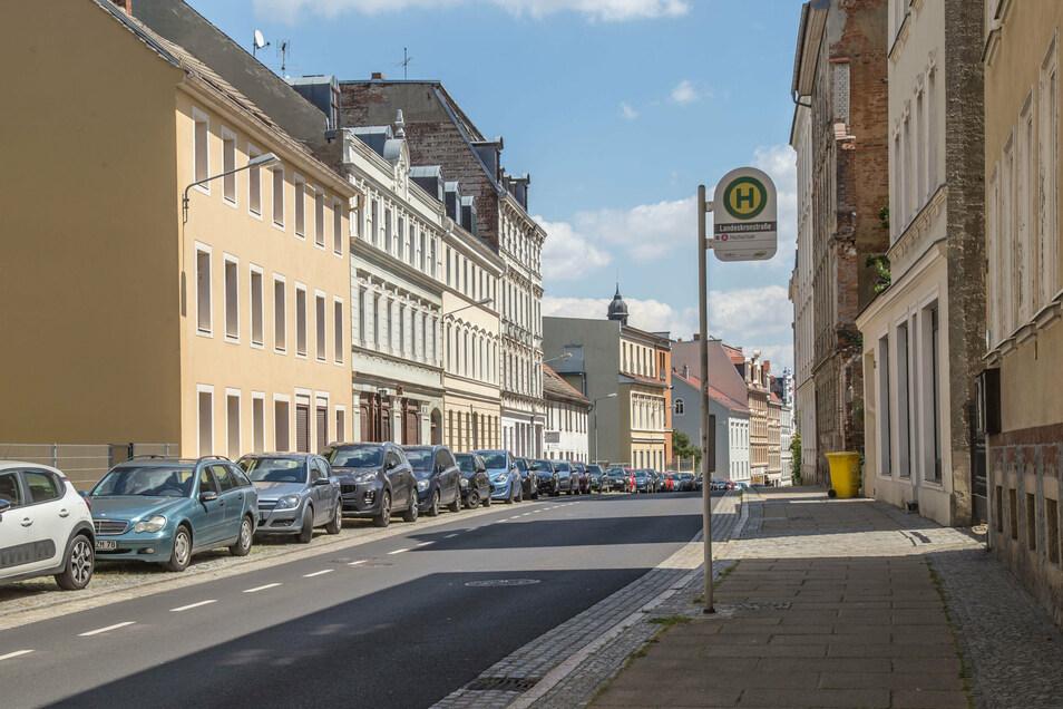 Kein Platz frei an der Bautzener Straße. Auch hier, zwischen Landeskron- und Mittelstraße soll wahrscheinlich Anwohnerparken eingerichtet werden.