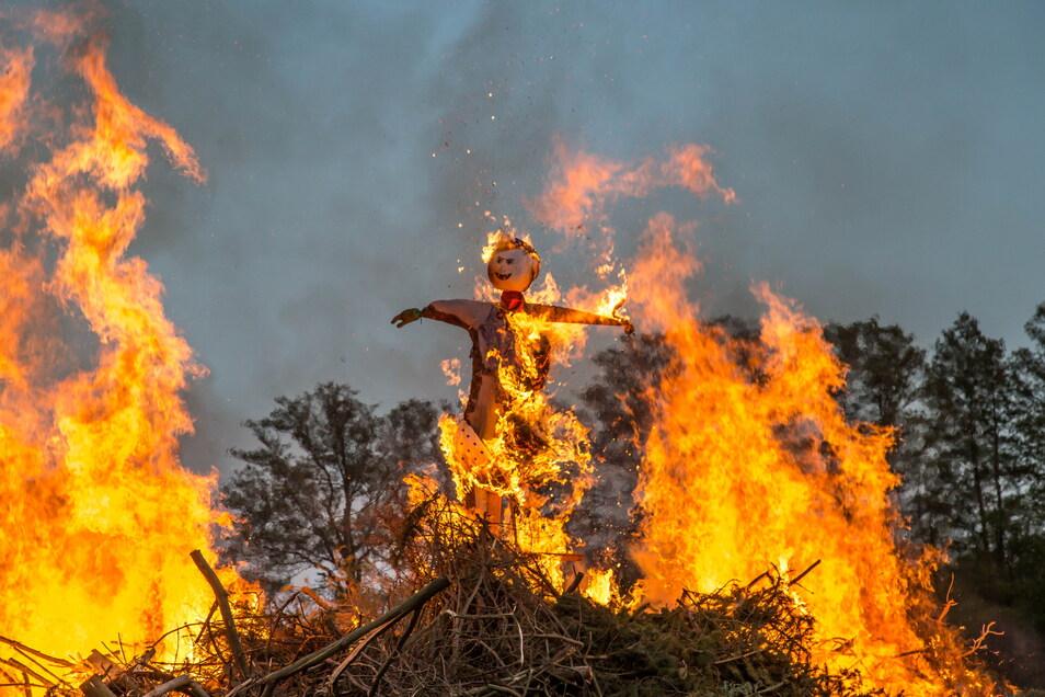 Die Hexen werden auch in diesem Jahr nicht brennen. Aufgrund von Corona müssen die Brauchtumsfeuer ausfallen.
