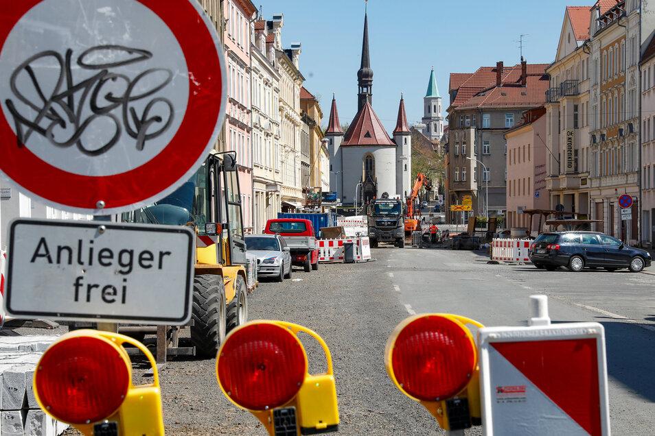 Der stadtinnere Teil der Äußeren Weberstraße in Zittau ist schon seit einem Jahr wegen Bauarbeiten dicht.