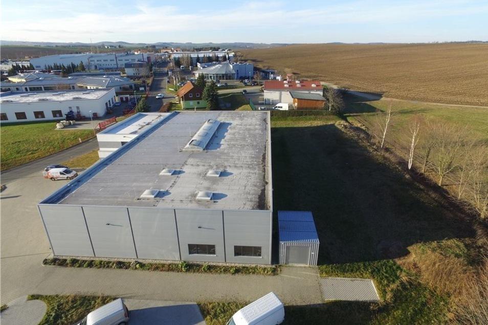 Die Entwicklung der Firma ist so gut, dass sie für dieses Jahr den Neubau einer Produktionshalle plant, die neben dem jetzigen Betriebsgebäude errichtet werden soll.