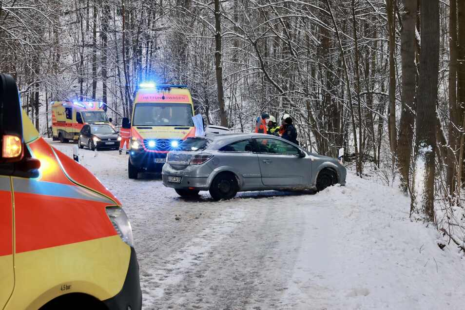 Bei dem Unfall bei Friedrichswalde-Ottendorf wurden drei Personen verletzt.