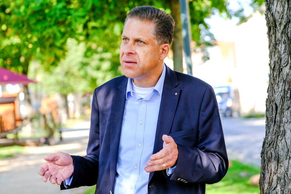 Die Liberalen in Radebeul haben Alexander Wolf zu ihrem Ortsverbandschef wiedergewählt.