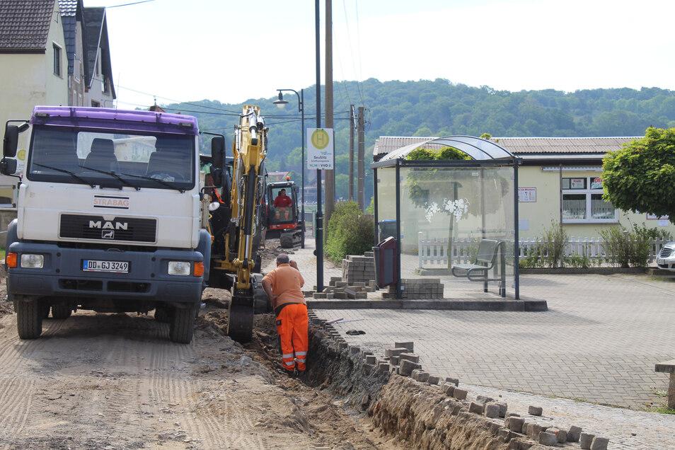 Mitte Mai war der Straßenbau auf der Meißner Straße in Diesbar-Seußlitz noch voll im Gang.