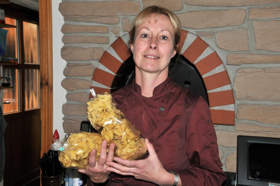 Martina Neuers selbst hergestellte Nudeln gelten als legendär. Den Kameraleuten haben die Teigwaren gut geschmeckt.