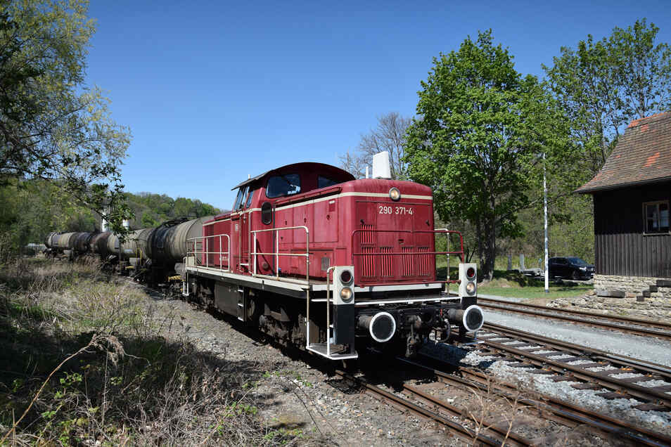 Die Lok 290 371 ist eigentlich eine Museumslokomotive. Doch dieser Tage war sie wieder im Müglitztal unterwegs.