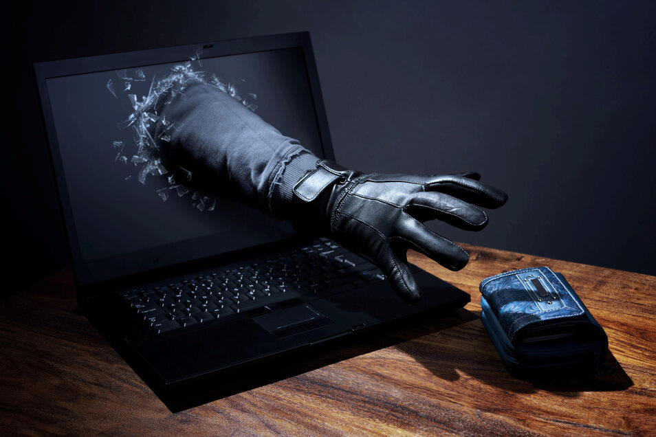 Ob beim Online-Bestellen oder bei Bankgeschäften im Netz. Viele Menschen nutzen dafür immer noch einfach zu knackende Passwörter. Eine Gelegenheit, die Hacker sich nicht entgehen lassen.