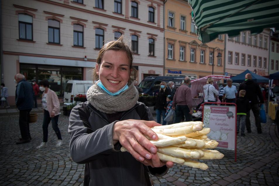 Susann Stewig vom Spargelhof Schertenleib ist das erste Mal dabei und bietet Spargel in Bio Qualität an.