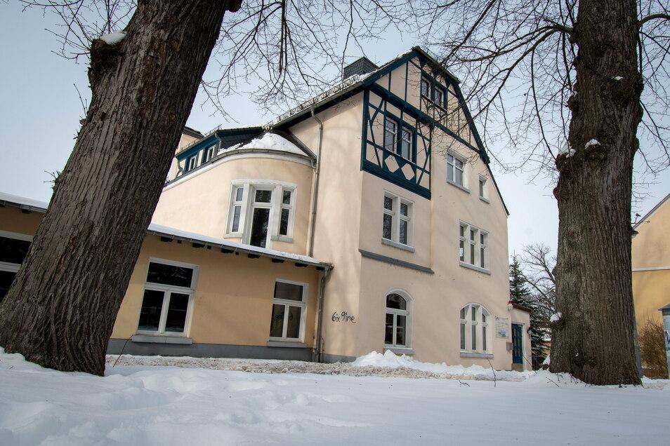 Erst im Sommer vergangenen Jahres hat die WBV das ehemalige Kulturzentrum an der Gartenstraße gekauft. Für die Gewerbeeinheiten im Obergeschoss werden noch Mieter gesucht.