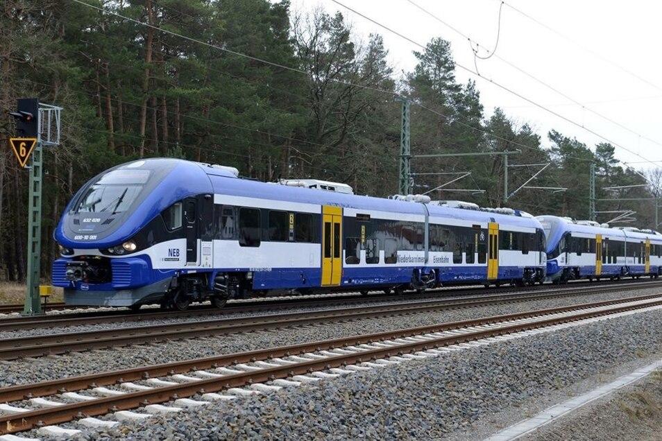 Solche Dieseltriebwagen kaufte die Niederbarnimer Eisenbahn vom polnischen Hersteller Pesa und will sie unter anderem im grenzüberschreitenden Verkehr einsetzen.
