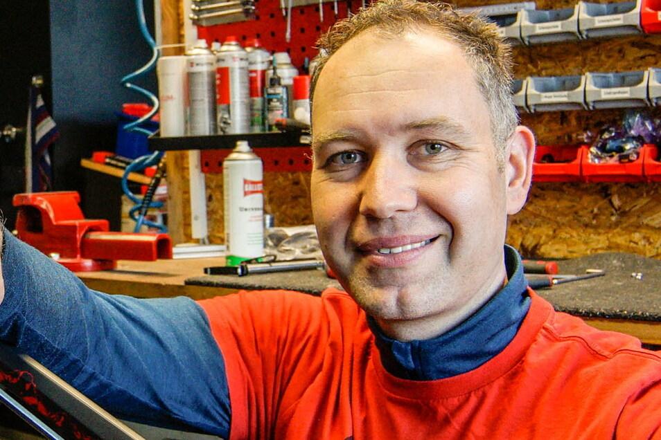 Unternehmer Tobias Hildebrand findet nächtliche Straßenbeleuchtung wichtig. Weil es um das subjektive Empfinden von Sicherheit geht, sagt er.