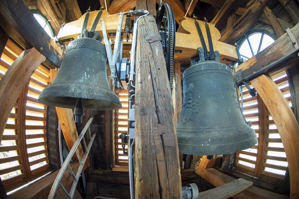 Verschwunden und zum Stillsein verurteilt geben die Röhrsdorfer Glocken nun wieder den Rhythmus vor.