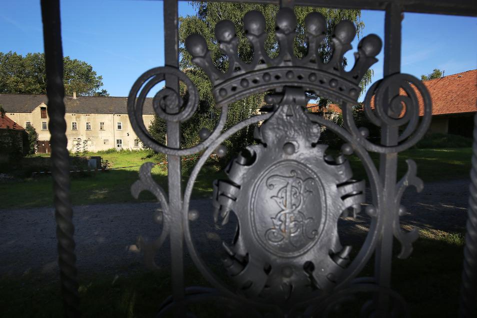 Auf dem Areal des ehemaligen Rittergutes in Seifersdorf werden in den nächsten Jahren 64 Wohneinheiten entstehen. Damit wird dieses Brachland wieder mit Leben erfüllt. Im Wachauer Ortsteil werden sich auch etliche Rückkehrer aus den Altbundesländern niede