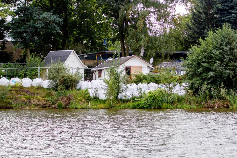 Der Standort des Bautzener Segelclubs wird wie ein größerer Uferabschnitt im Bereich von Groß Särchen mit Big Packs vor möglichen neuen Flutwellen geschützt.