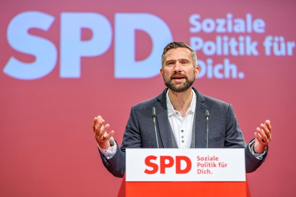 Sachsens Wirtschaftsminister Martin Dulig (SPD) hat sich für eine rasche Anhebung des Mindestlohns ausgesprochen.